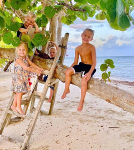 why placencia is the best belize destination for travelers with children