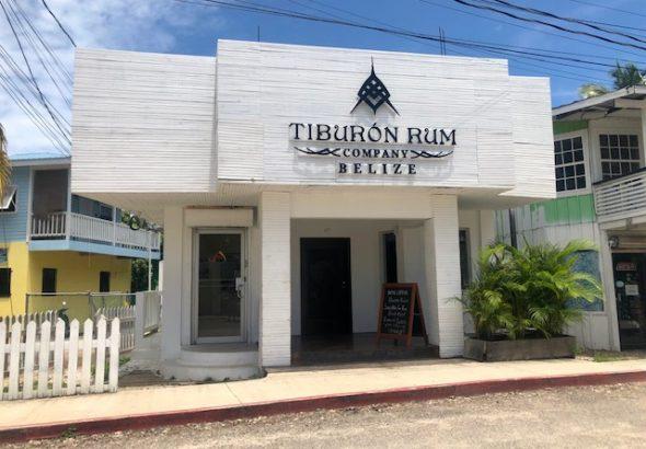 tiburon rum shop placencia