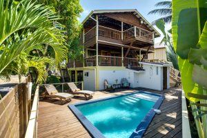 budget vacation rental in placencia belize driftwood gardens guesthouse