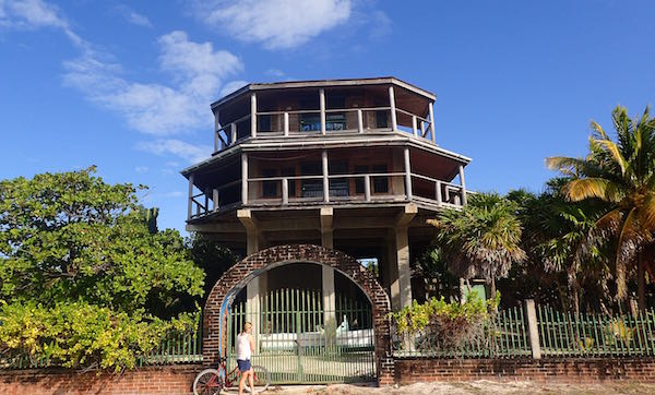 Caulker octagon house- Real Life Recess
